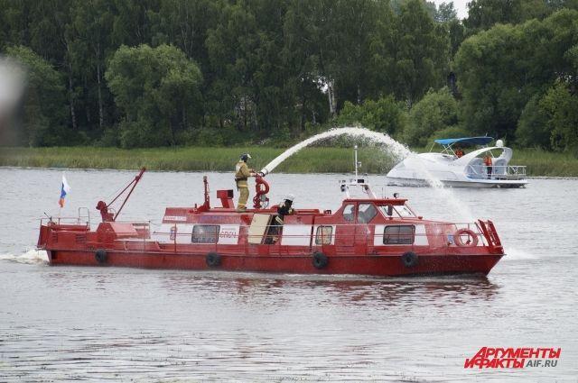 На Ямале в рамках конкурса «Славим человека труда» выберут лучшего пожарного