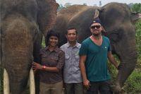 Леонардо Ди Каприо в Индонезии в рамках реализации проекта по защите дикой природы.