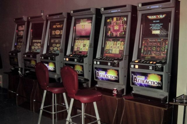 10 игровых автоматов были установлены в арендуемом нежилом помещении.