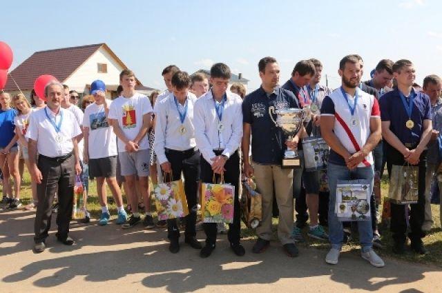 более 900 юношей и девушек в Тоншаевском районе занимаются в спортивных секциях