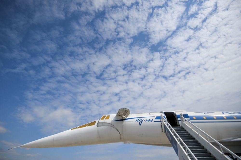Сверхзвуковой авиалайнер Ту-144, представленный на Международном авиационно-космическом салоне МАКС-2017 в подмосковном Жуковском.