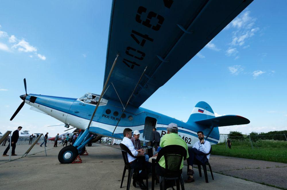 Самолёт ТР-301 на Международном авиационно-космическом салоне МАКС-2017 в Жуковском.
