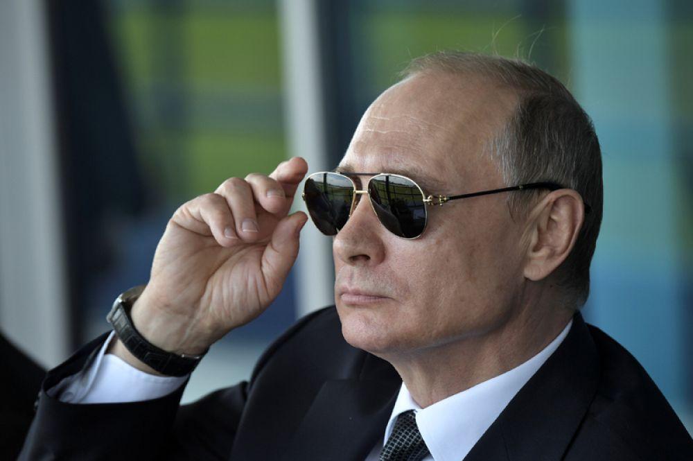 Владимир Путин на авиасалоне МАКС-2017 в Жуковском.