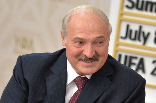 Лукашенко прибыл встолицу Украины напереговоры сПорошенко