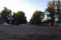 Авария произошла на перекрестке.