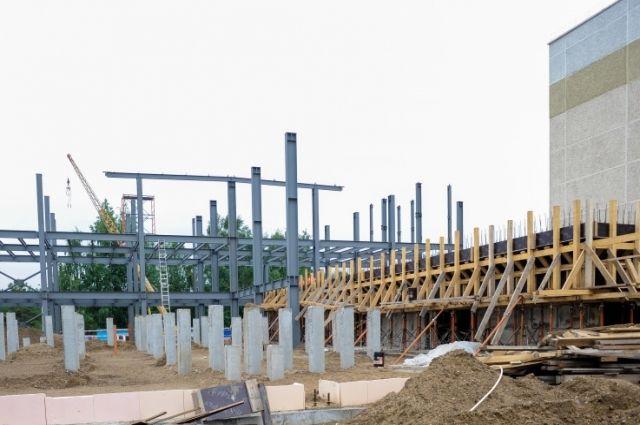 Строительство планируют завершить к концу 2018 года.