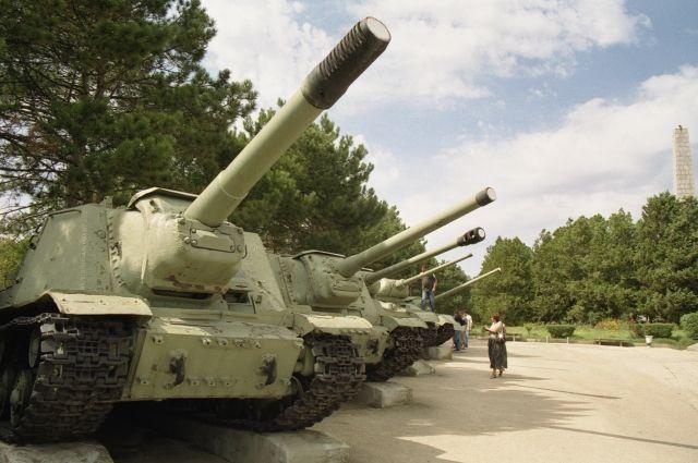 Сапун-Гора недалеко от Севастополя - место ожесточенных боев в ходе обороны Севастополя в 1941-1942 годах. На фото - территория мемориала