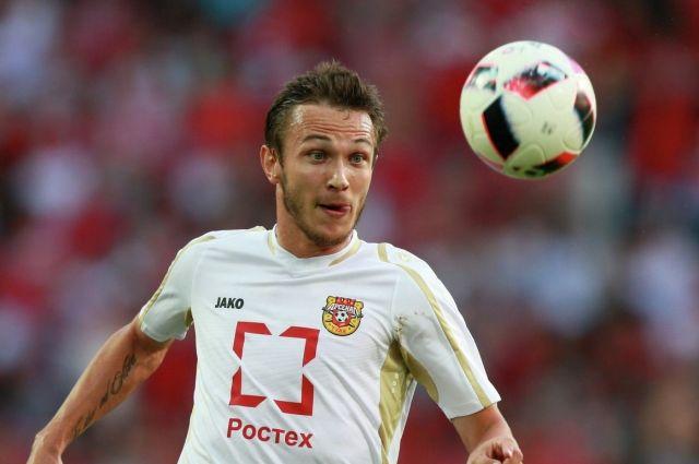 «Балтика» подписала контракт с полузащитником Никитой Бурмистровым.