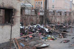 По факту поджога вещевого рынка в Черняховске возбуждено уголовное дело.