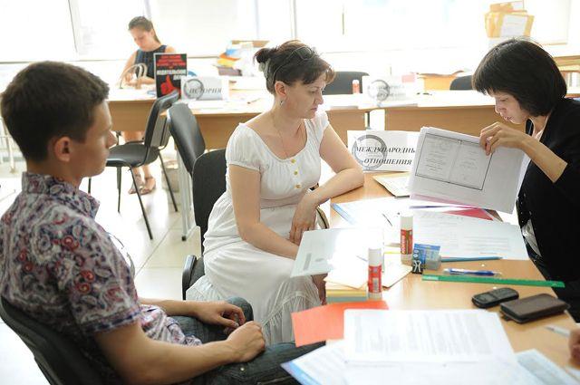 Выпускники школ имеют право подавать заявления одновременно в 5 вузов.