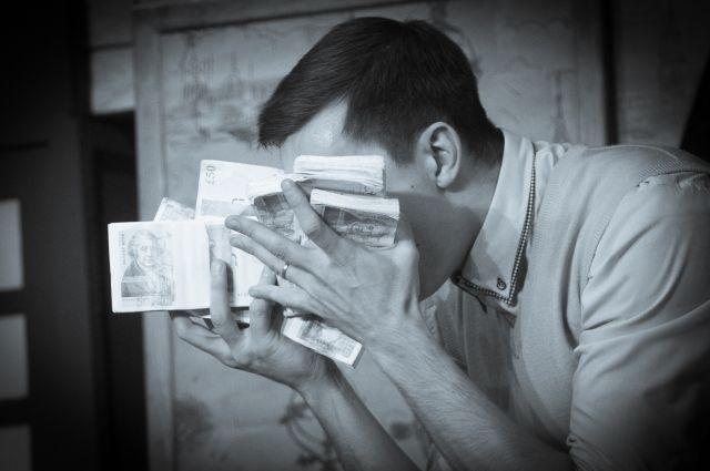Мужчина обещал помочь с покупкой жилья, но присвоил чужие деньги.