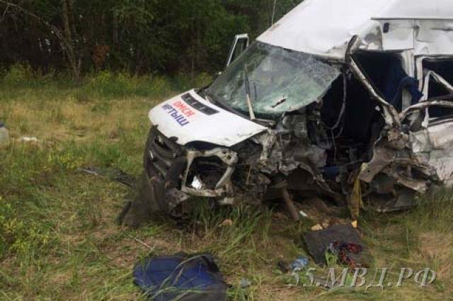 Сначала водители жалуются на аварии из-за ям на дорогах, а потом летают по отремонтированным.
