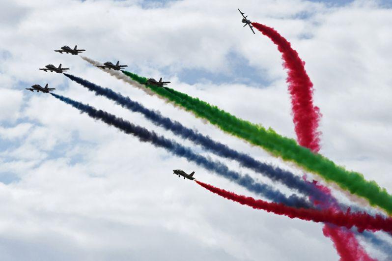 В лётной программе впервые в РФ выступила пилотажная группа из Объединённых Арабских Эмиратов Fursan Al Emarat.