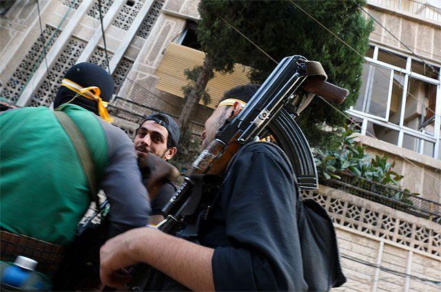 Свернули то, чего нет. США прекратили «военную помощь» сирийской оппозиции