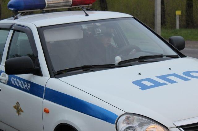 Полицейские загнали юного водителя в тупик.