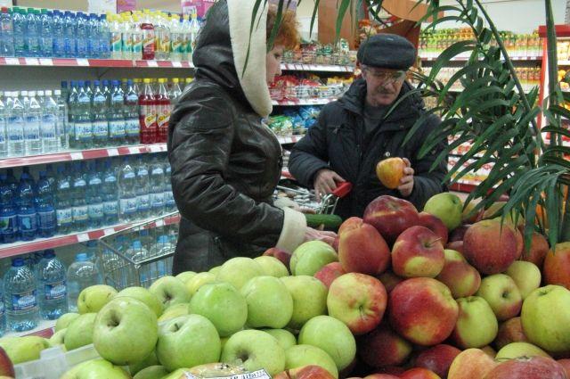 Петербуржцы стали активнее тратить вмагазинах