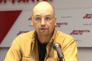 Ник Перумов: «Фантастика закрывает некую брешь, появившуюся из-за перекосов в обществе».