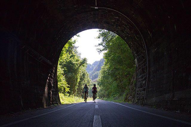 Тоннель или туннель — как правильно?
