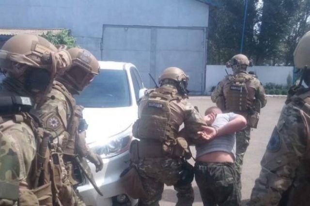ВНикополе задержали пятерых подозреваемых вдвойном убийстве