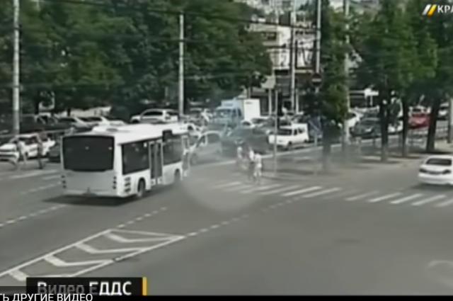 Инцидент произошел в центре города на пересечении улиц Северной и Рашпилевской.
