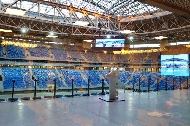 Крыша стадиона наКрестовском вовремя матча «Зенит»-