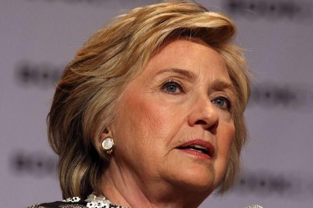 Лидер демократов США поведал, кого нужно винить впоражении Клинтон навыборах