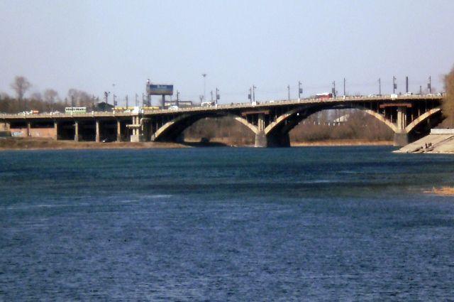 С 29 июля по 1 сентября будет изменена схема движения по Глазковскому мосту.