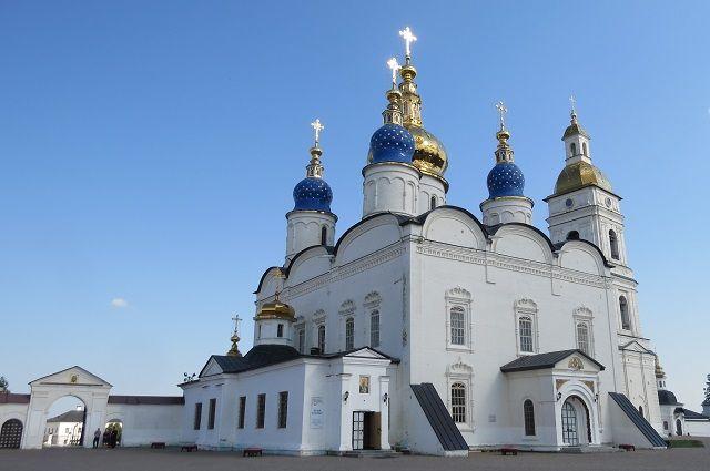 Мужчина обворовал собор на территории Тобольского кремля