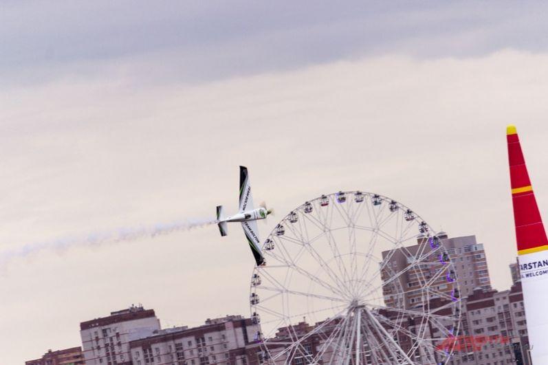 ЧМ по авиагонкам Red Bull Air Race прошел в России впервые, несмотря на то, что в мире проводится с 2003 года.
