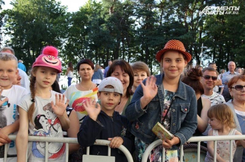 В зале все три дня был полный аншлаг, хотя билеты были не дешевыми - от 3 до 30 тысяч рублей.