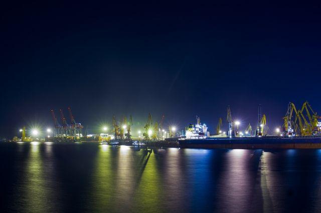 В порт Одессы зашли два военных корабля НАТО