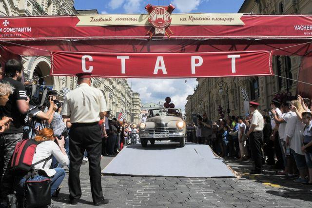 Гонка раритетных советских автомобилей в Москве