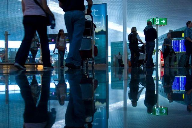 В РФ провоз телефонов иверхней одежды всамолетах хотят сделать платным