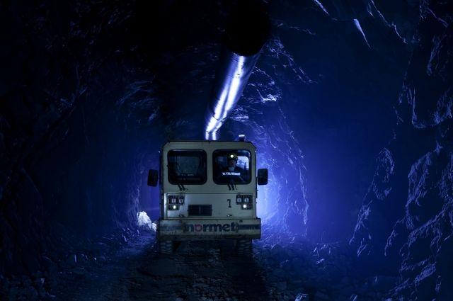 На шахте в Кузбассе после выброса горной породы пропали два шахтера