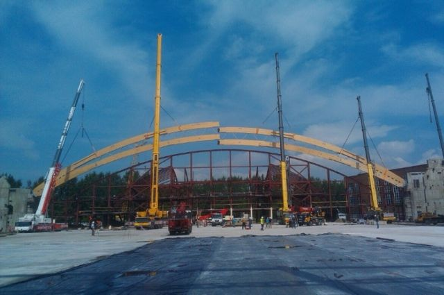 Накрасноярском стадионе «Енисей» смонтирована первая арка для кровли