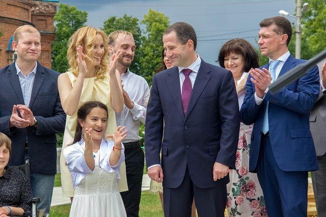 Екатерина Дементьева с Михаилом Бабичем на открытии Дома Вероники.