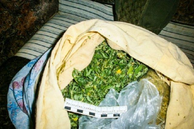 Полицейские изъяли 369 граммов вещества.