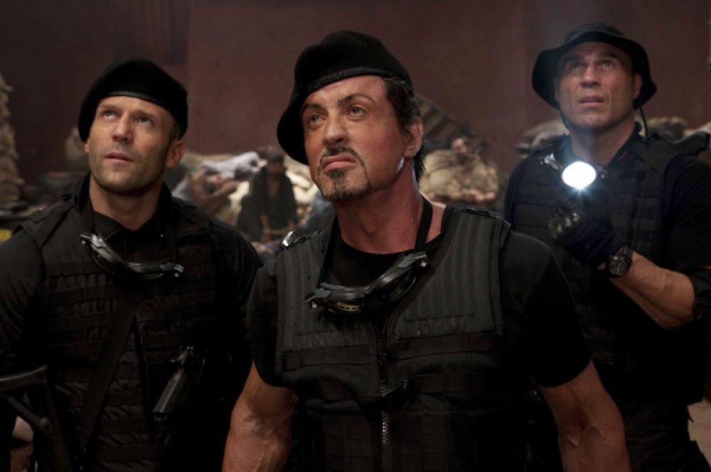 «Неудержимые» (2010) — наёмник, отлично владеющий холодным оружием и боевыми искусствами Ли Кристмас.