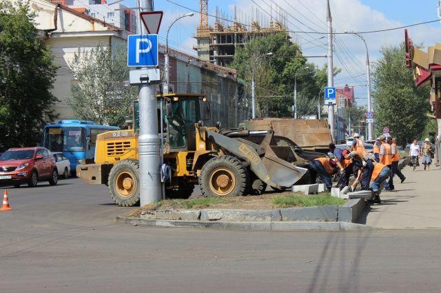 Дорожный ремонт в Иркутске идёт полным ходом.