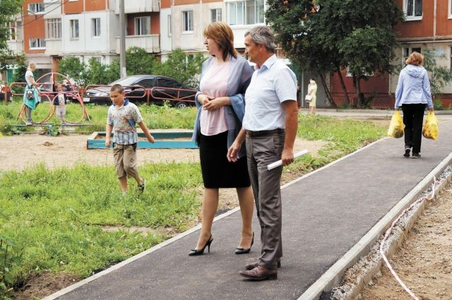 Не только благоустройство дворов волнует жителей. Многие просят оборудовать детские и спортивные площадки.