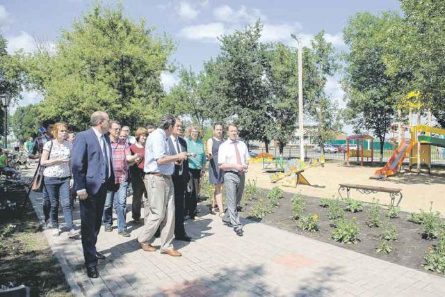 В селе Рождественское реконструирован центральный парк, теперь сюда приезжает много отдыхающих.