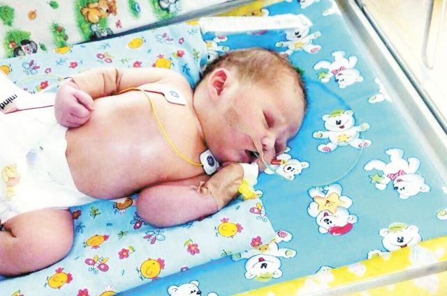 Девочка родилась 18 июля, а через два дня ей сделали операцию.