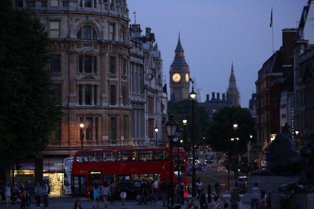 В Лондоне двух человек облили кислотой – СМИ