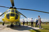 На вертолёте гораздо быстрее доставлят пациентов из районов.