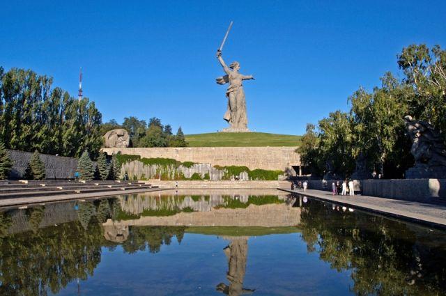 В Волгограде активист обвинен в осквернении монумента «Родина-мать зовет!»