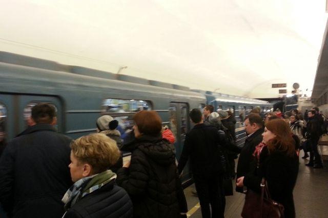 Свидетели: мужчина прыгнул под поезд настанции метро «Технологический институт»