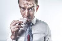Эксперты советуют искать корни проблемы переедания в детстве
