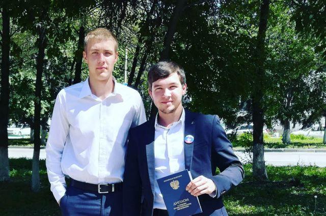 Радик Камалетдинов - справа.
