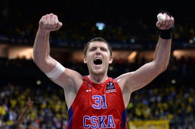 Баскетболист Хряпа подписал новый договор сЦСКА
