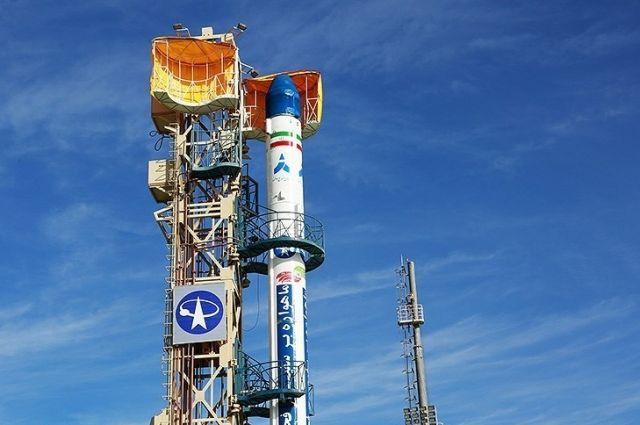 Иран провел испытания ракеты для вывода спутников на орбиту